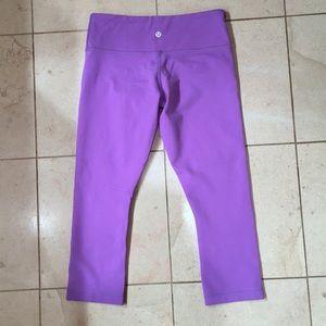 Lululemon Purple Wunder Under Crop—Sz 6 Like New